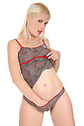 Sweet Cat Red Lining istripper model