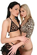 Aliz & Antonia Duo istripper model